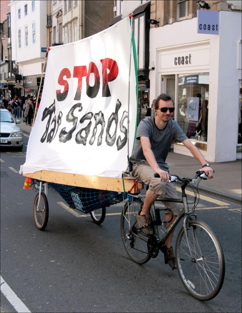no_tar_sands_banners_on_ladder_biketrailer_2010
